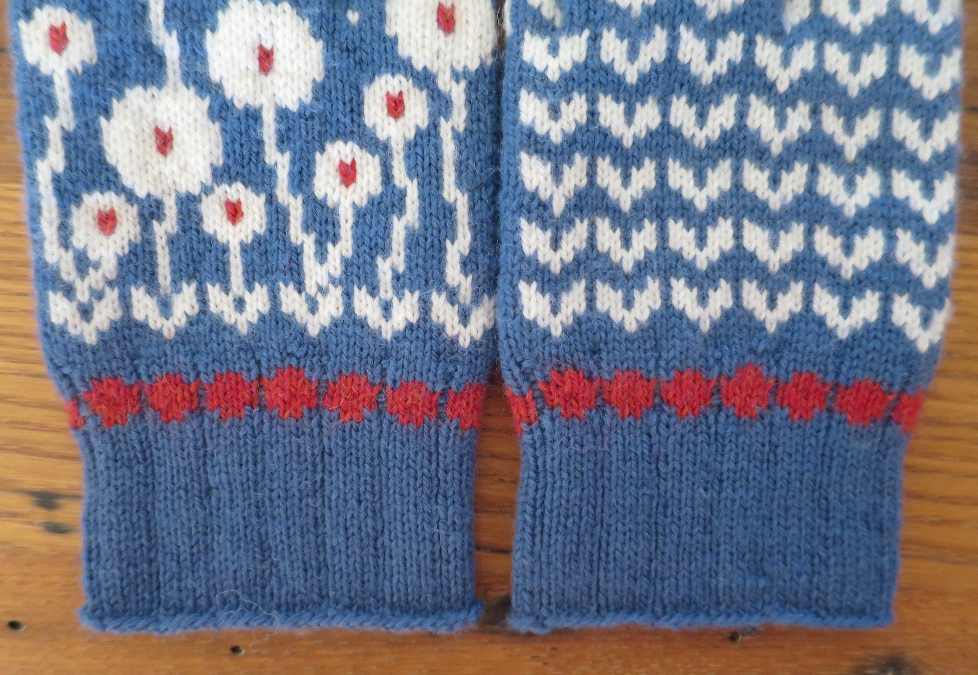 Just Crafty Enough – Bloomin\' Happy Mittens KAL: Clue 3